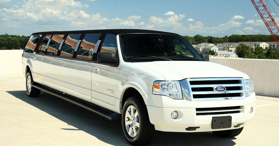 12-14-15-16-passenger-limo-long-island-nyc