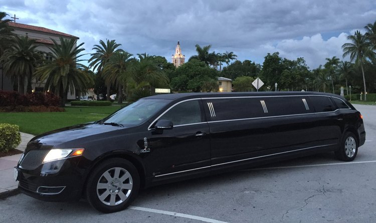 8 Passenger Lincoln MKT Black Limo NEW YORK