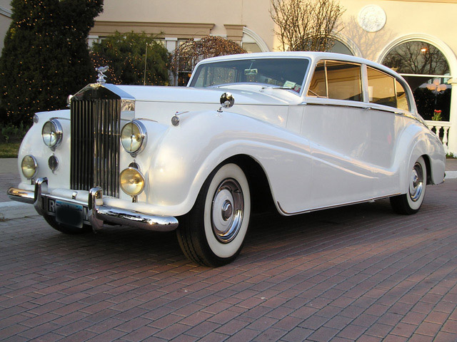 Classic-Rolls-Royce-Rent-Long-Island-NYC