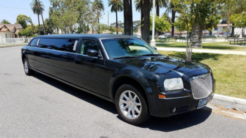 chrysler-300-limousine-long-island-NYC